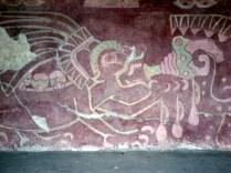 Teotihuacan também tem residenciais, a Avenida dos Mortos, murais vibrantes que foram excepcionalmente bem preservados