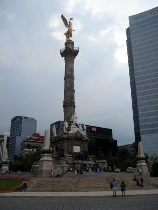 Anjo da Independência – construído para comemorar o centenário da Guerra da Independência do México
