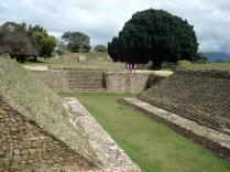 O campo completo, as laterais de escada era onde a bola quicava