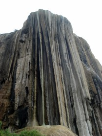 Vista de baixo da cascata