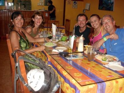 Nosso almoço de despedida com os poloneses (Dorota e Lukasz ) e a Alma