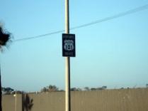 E ali passa a US Historic 101 também conhecida como El Camino Real