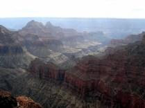 É possível ver o trabalho da natureza na geologia do lugar