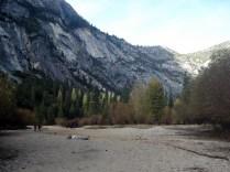 E olha o Mirror Lake. Outono, pouca água, lago seco