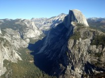 Esse domo de granito é imponente de qualquer lugar que se olhe