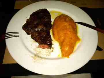 Argentinean steak and mashed pumpkin