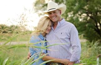 Lindsey + Kyle Engagements   Two Birds One Stone Wedding {Abilene, TX Wedding Photographer}