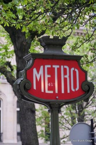 The Metro, Paris