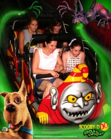 People On the Scooby Doo rollercoaster