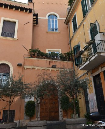 Beautiful buildings in Trastevere