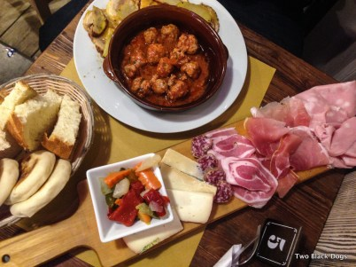 Tigelle, antipasti and meatballs for lunch