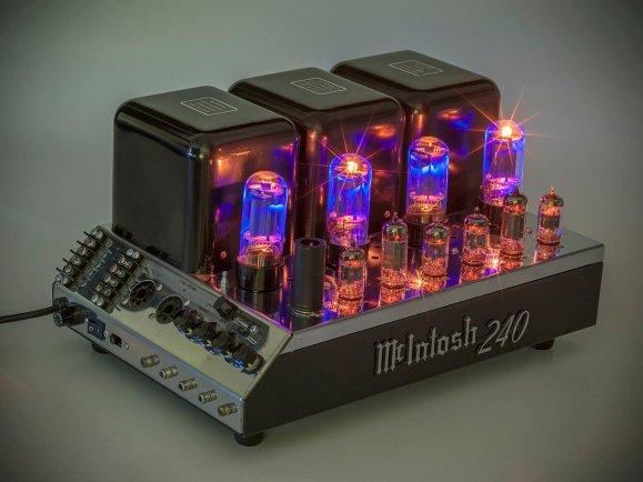 McIntosh 240 Bosch's stereo gear