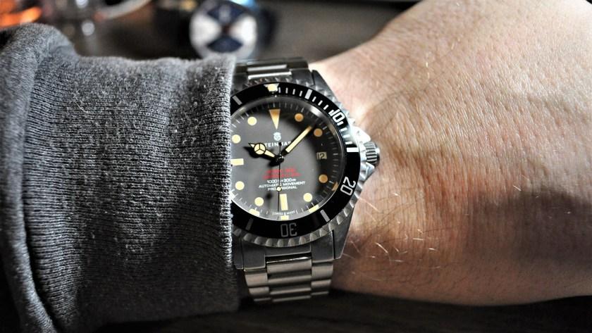 Steinhart Ocean One Vintage Red wrist shot