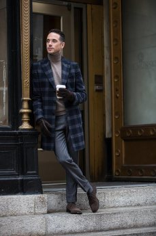 3-gorgeous-and-stylish-blazer-with-turtleneck-for-men-10