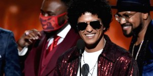 Bruno-Mars-Grammys.jpg
