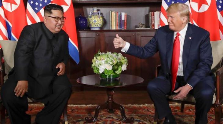 trump-kim-thumbs-up1
