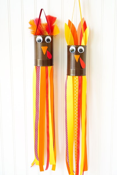 thanksgiving-kids-craft-turkey-windsocks