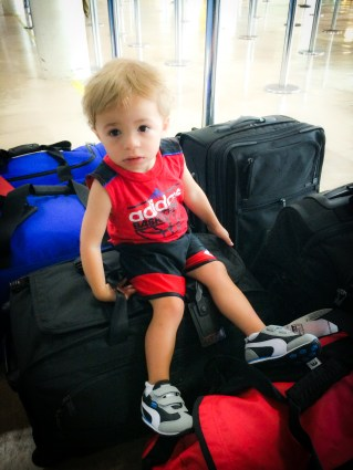mom hacks for traveling with toddlers