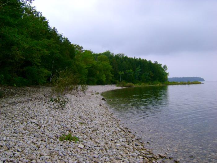 Shoreline along the Minnehaha Trail in Peninsula State Park