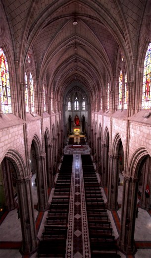 The sanctuary of the Basilica del Voto Nacional.
