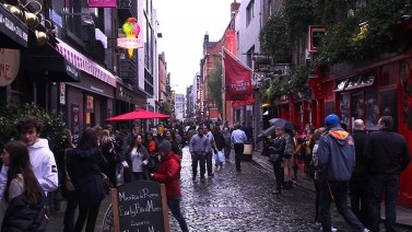 But we managed to see some of this beautiful city! Including Temple Bar, one of Dublin's biggest hotspots.