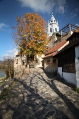 Walking along the path into Durnstein.