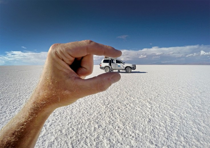 Objects on the salar may be larger than they appear.