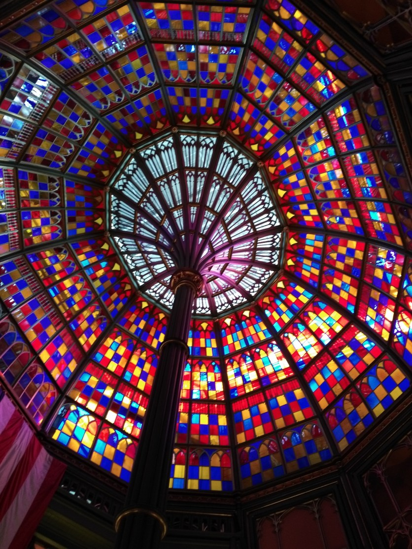 B.R.'s old state capitol had this BEAUTIFUL stained glass dome.