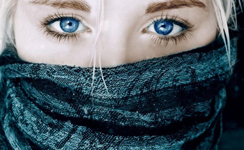 Kolorowe soczewki – boisz się wyglądać nienaturalnie?
