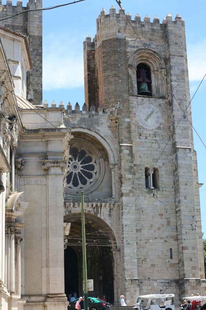 Co warto zobaczyć w Lizbonie? Katedra Se de lisboa