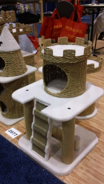 Recycled paper Cat Play Tree