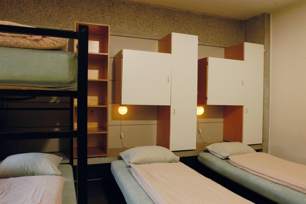 Ultimate List of Best Backpacker Hostels Lauseanne Youth Hostel Jeunotel_Lauseanne_Switzerland