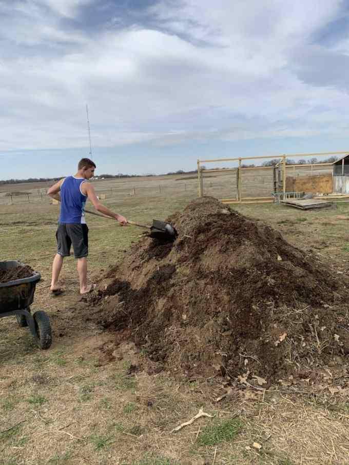 hugelkultur hugelkulture gardening