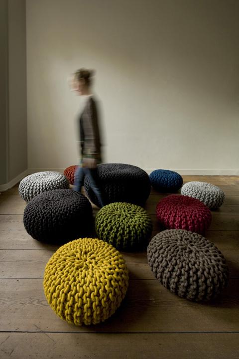Christien-meindertsma-urchin-poef Wekelijkse inspiratie - Chunky knitting