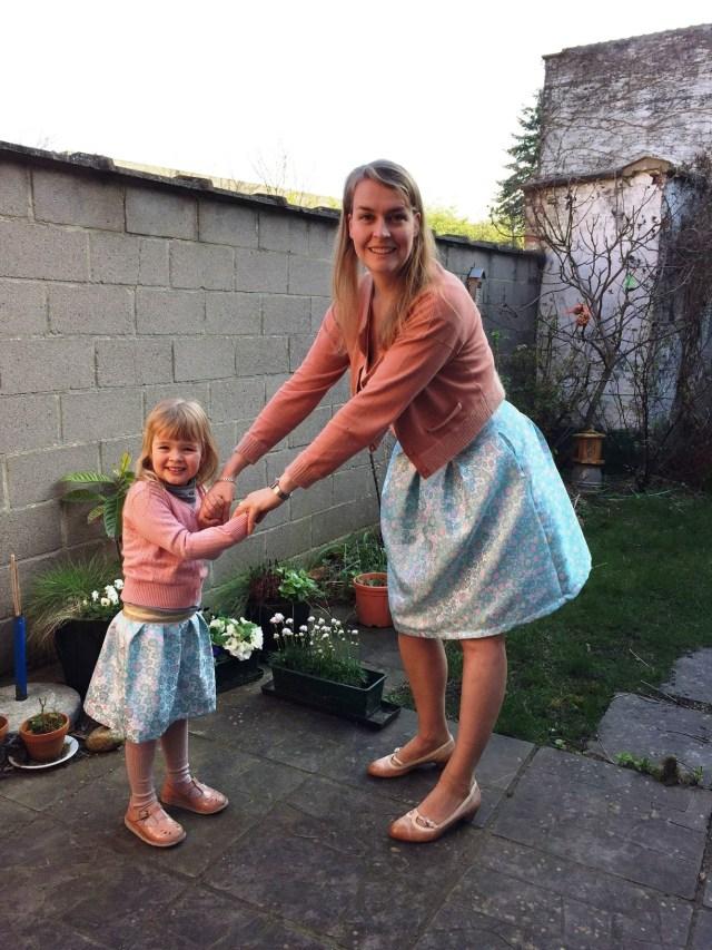 dansen-in-onze-rokjes Twinning met een Rachel rok: een lente-naaiprojectje