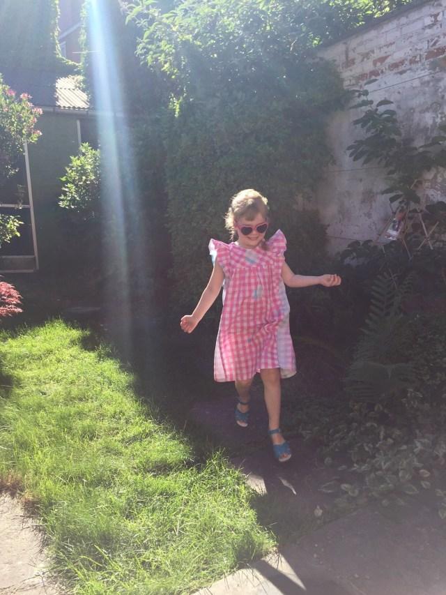 winnie-kleedje-happy Een zomers jurkje: Winnie kleedje van LMV