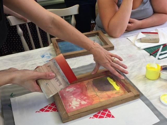 klaar-om-te-zeefdrukken-bobbinhood Workshop zeefdrukken op stof met Bobbinhood
