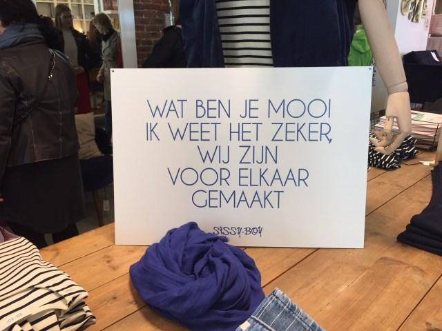 Antwerpen-Sissy-Boy Met Femma naar Antwerpen: smartphonefotografie, shoppen en babbelen
