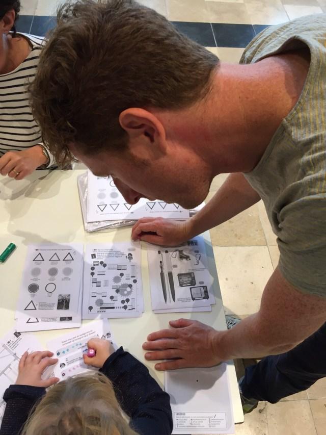 Stempelen-met-Pieter-Gaudesaboos Land in zicht op Drawing Days: het tekenfestival in Gent