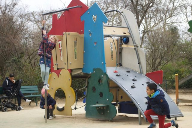 Speeltuin-Eiffeltoren-1024x685 Op stap in Parijs met een kind