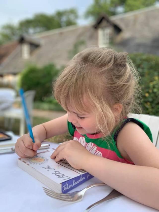 Aan-tafel-in-Le-relais-des-landes De kastelen van de Loire: op reis met een kind
