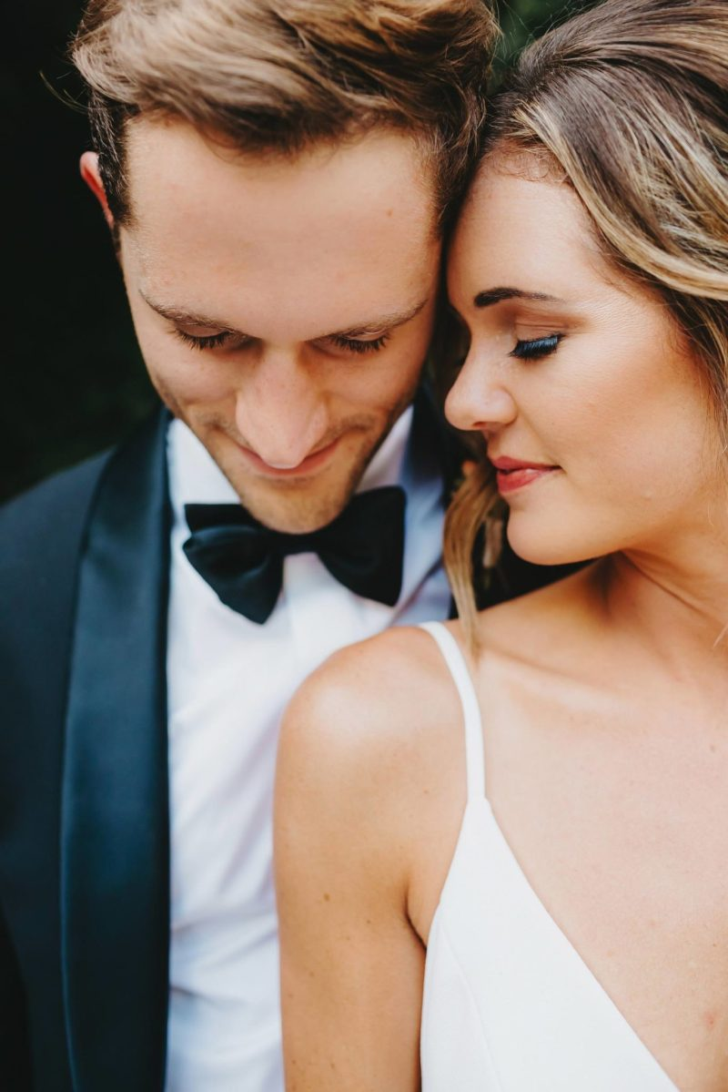 Texas bride and groom outdoor modern portraits