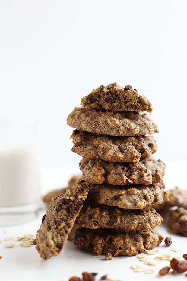 These Vegan Oatmeal Chocolate Chip Raisin Cookies are flavorful and chewy, dense and full of texture! Vegan and Gluten Free! / TwoRaspberries.com