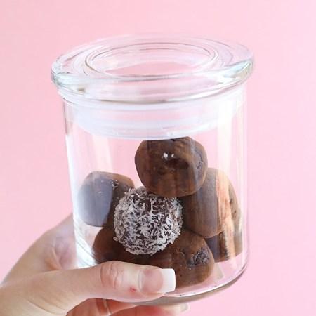 Healthy Almond Chocolate Truffle Energy Balls