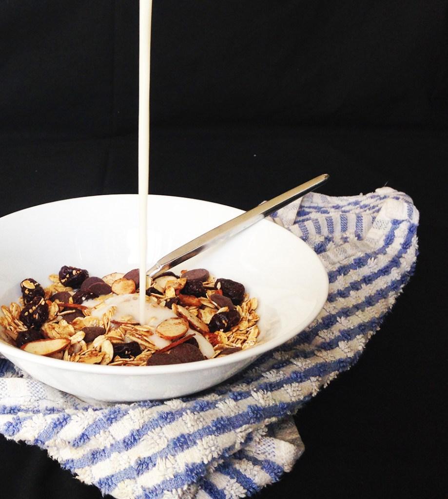 choc cherry almond muesli 3