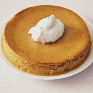 Overhead shot of crustless pumpkin pie. Perfect, crustless pumpkin pudding pie makes a lovely low carb pumpkin dessert in your Instant Pot or Pressure cooker. This is an easy dump and go dessert.