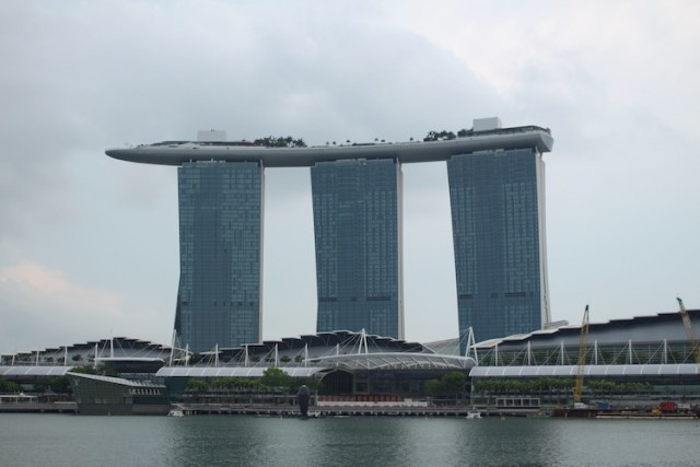 Marina-Bay-Sands-11-unmissable-things-to-do-in-Singapore-Two-Souls-One-Path