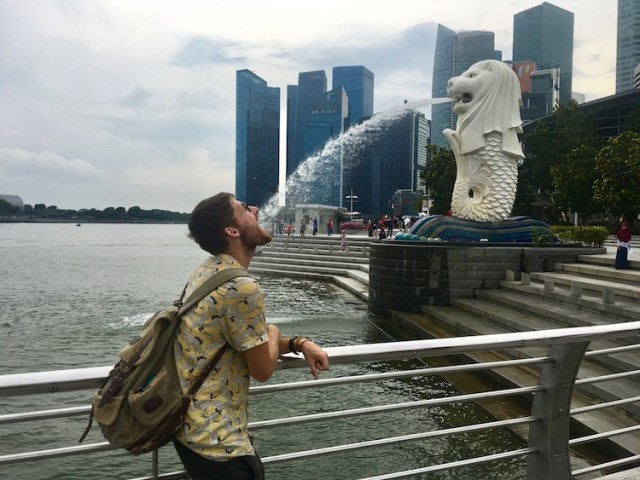 Merlion-11-unmissable-things-to-do-in-Singapore-Two-Souls-One-Path