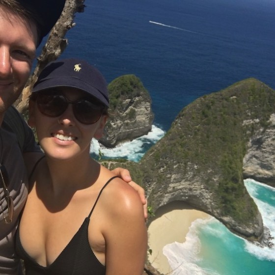 Matt-and-Lorna-at-Kelingking-viewpoint-Nusa-penida-Island-Two-souls-One-Path