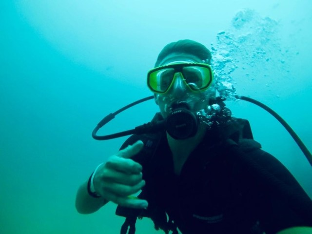 Nick diving, 5 things to do in ko phi phi, Two souls one path